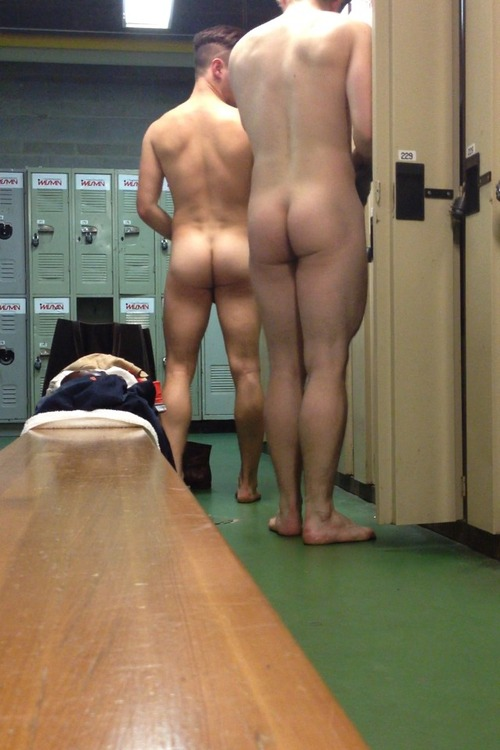 nude-male-hidden-video