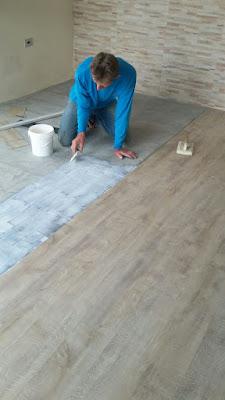 instalação do piso vinílico cola piso vinílico