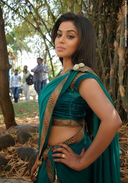 Sri Krishna Hd Wallpaper Download Top 10 South Indian Actresses Hot Saree Stills Sri