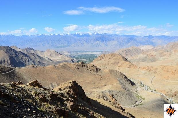Salendo verso il Khardung La Pass
