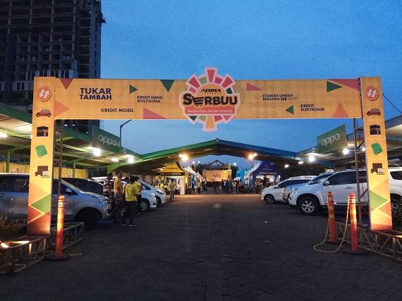 pameran otomotif mobil adira surabaya