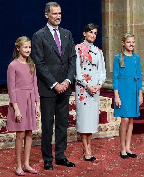 Queen Letizia wore a new floral embroidery dress by Manuel Pertegaz. Crown Princess Leonor and Infanta Sofia