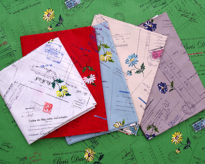 Text and Floral Fabrics by Suzuko Koseki for Yuwa Fabrics | © Red Pepper Quilts 2018