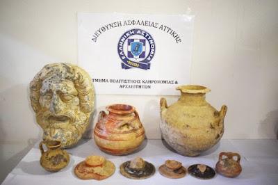 """Κινητά μνημεία – συλλήψεις: Τους πρόλαβαν στο πάρα πέντε οι Αρχές – Τα είχαν βγάλει στο """"σφυρί"""""""
