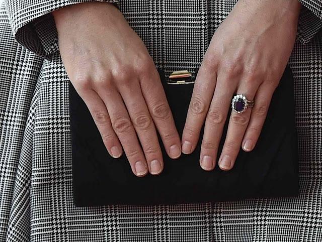 Dlaczego członkinie BRK nie malują paznokci?