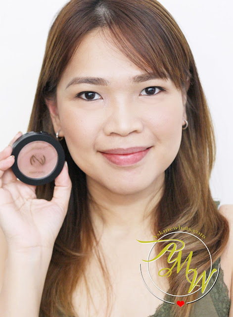 a photo of Makeup World Blush|Up Single Blush Powder in Tangerine_askmewhats_Nikki Tiu