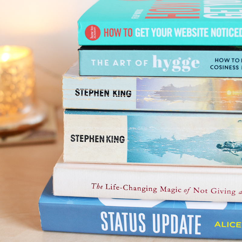 Book Blogger Reading Round Up October | Colours and Carousels - Scottish Lifestyle, Beauty and Fashion blog
