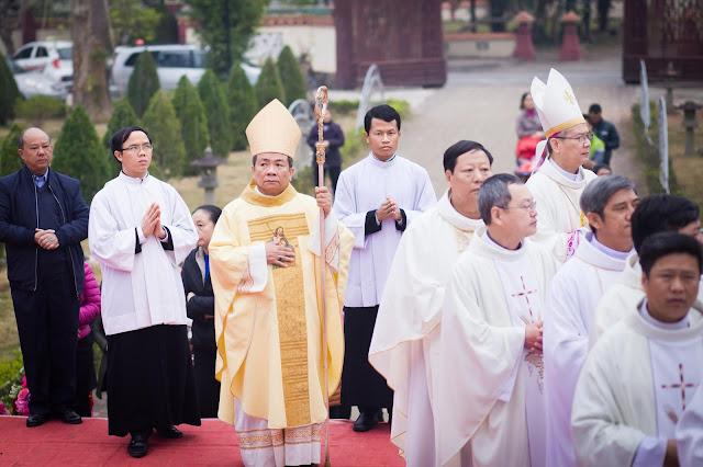 Lễ truyền chức Phó tế và Linh mục tại Giáo phận Lạng Sơn Cao Bằng 27.12.2017 - Ảnh minh hoạ 99