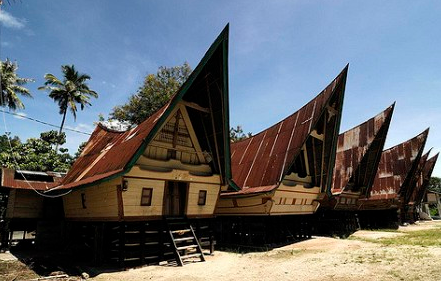 Rumah sumatera