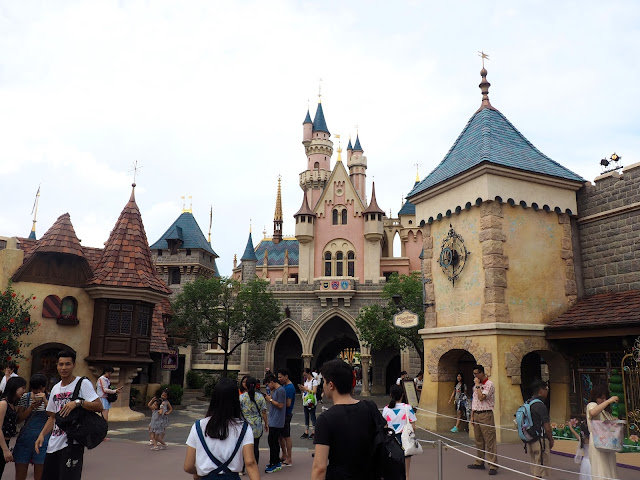 Sleeping Beauty Castle and Fantasyland | Disneyland Hong Kong