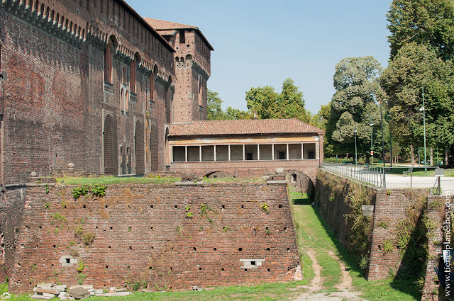 Castillo Sforzesco viaje Milan Italia visita