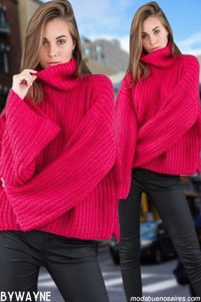 Sweaters tejidos de colores, vestidos animal print y camperas bikers, inflables y parkas. Moda invierno 2019 Argentina.