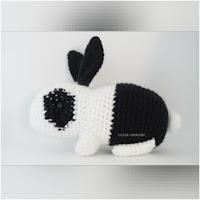 http://amigurumislandia.blogspot.com.ar/2019/01/amigurumi-conejo-bicolor-canal-crochet.html