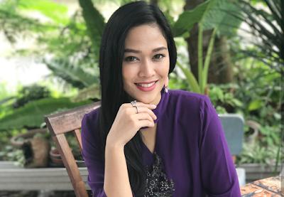 Biodata Aina Suzaily Host Cantik Bolasepak