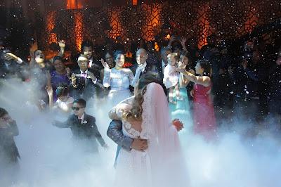 Neve artificial para a valsa dos noivos (Crédito: Gabriel Gabe/SBT)