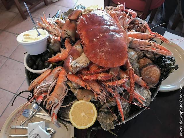 Comer en Cancale ostras marisco viaje Bretaña mariscada
