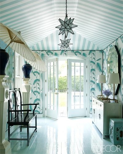10 Chic Ways To Decorate Your Entryway Wall: 10 Great Ways To Decorate Your Foyer