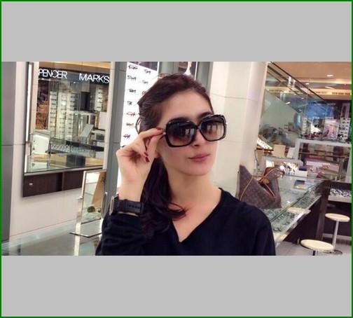 kacamata yang sering dipakai artis korea