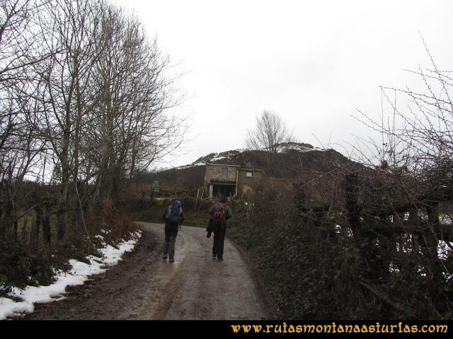 Pico Ranero: Cabaña junto a la pista