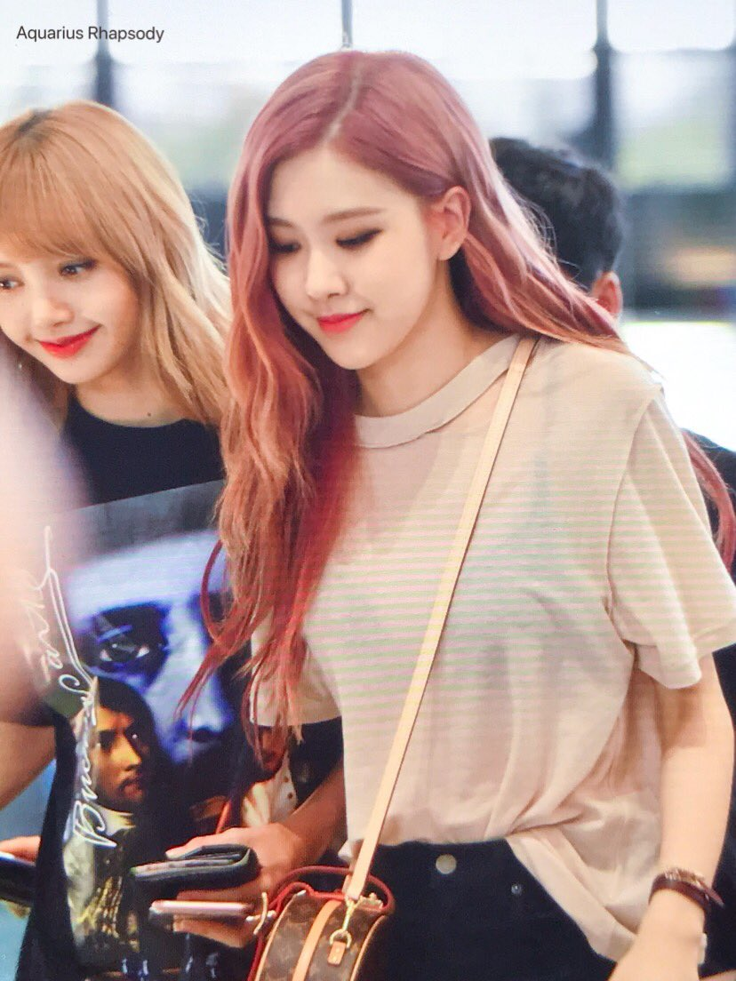 Blackpink Rose Shocks Fans With Her See Through Fashion Daily K