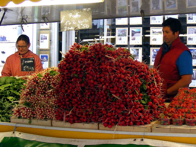 Radishes at a market, Indre et Loire, France. Photo by Loire Valley Time Travel.