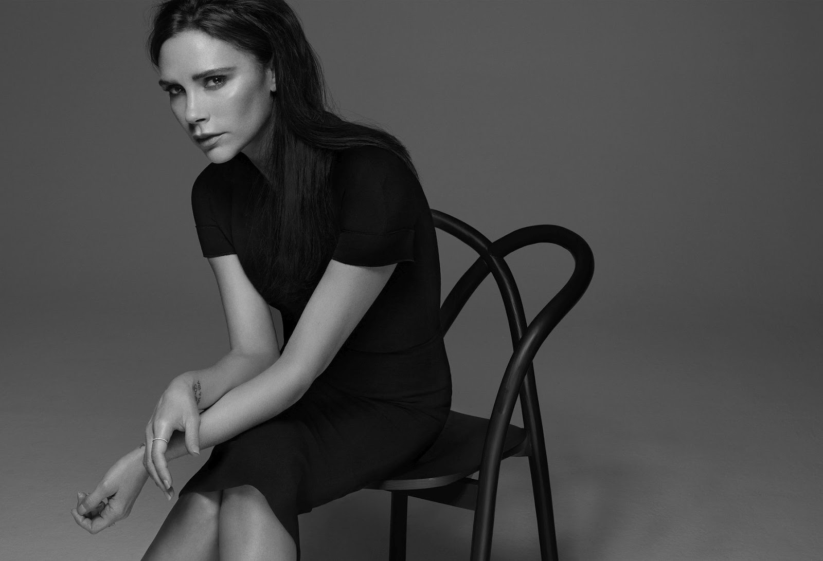 Estée Lauder and Victoria Beckham Launch a Limited-Edition Makeup Collection for Fall 2016