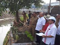 Tinjau Normalisasi Sungai Sikambing Di Jalan Tinta, Ini Pesan Wali Kota
