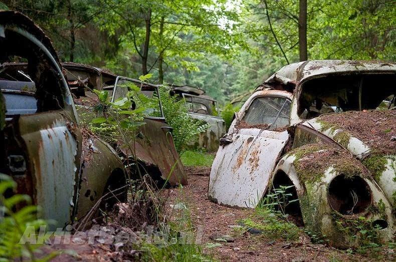 El Cementerio De Autos Del Bosque De Chatillon Belgica Hub Travel