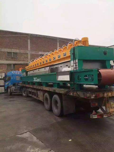 貨車運到新的拋光磚,拋釉磚生產線