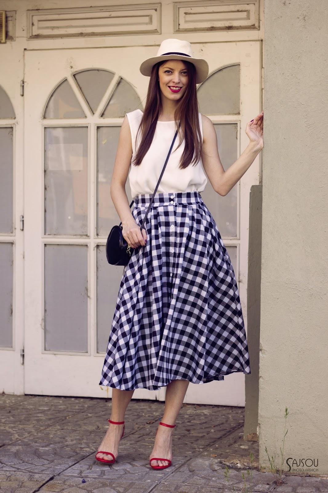 http://www.mademoiselleiva.com/2016/06/button-down-midi-skirt.html