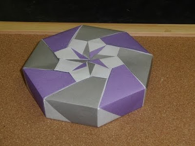 origami maniacs origami octagon flowery box by tomoko fuse. Black Bedroom Furniture Sets. Home Design Ideas