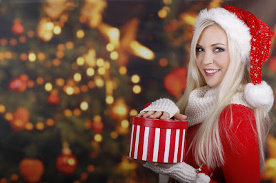 Hot girl wishes to Merry Christmas hd wallpapers