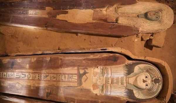 مصر تعلن اكتشاف مقبرة مزدوجة لكهنة الملك خفرع