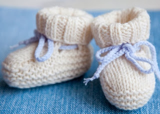 how to knit the baby shoes using wool thread for beginners