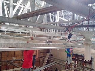 Pemasangan rangka plafon gypsum board murah di masjid