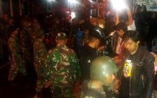 TNI Cari Anggota Geng Motor Bandung di Antara Kerumunan Warga