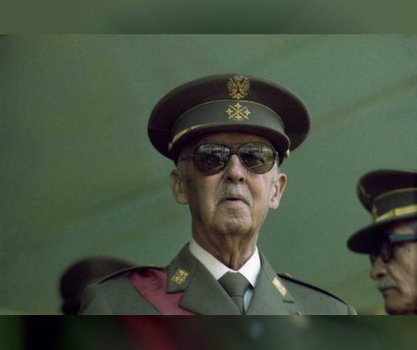 إسبانيا تقرر إعادة دفن الدكتاتور السابق فرانسيسكو فرانكو