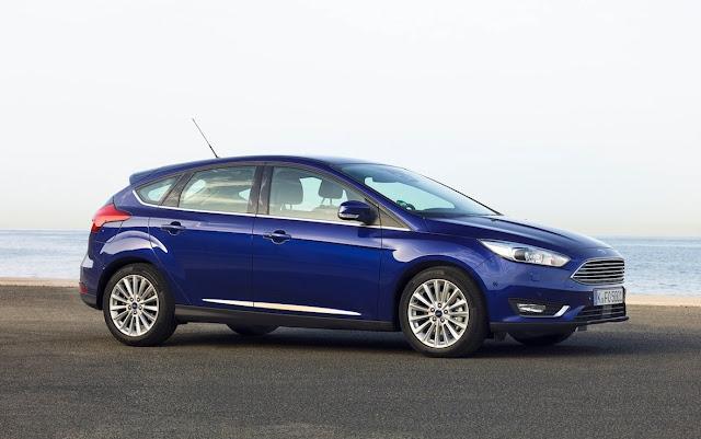 2016 Ford Focus hatchback blue