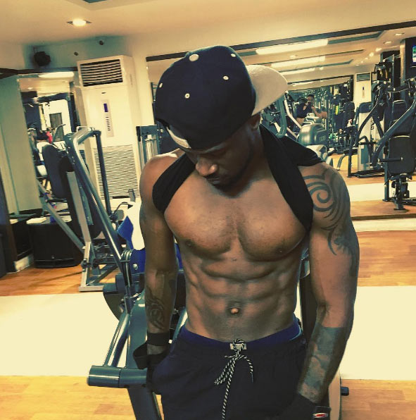 Peter Okoye serves hot abs post-workout