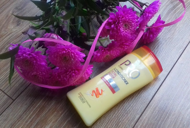 Tesco Pro Formula Total Repair Odżywka do włosów suchych i zniszczonych