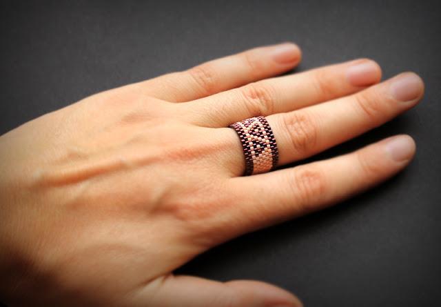 в каком магазине можно купить кольцо из бисера ручной работы