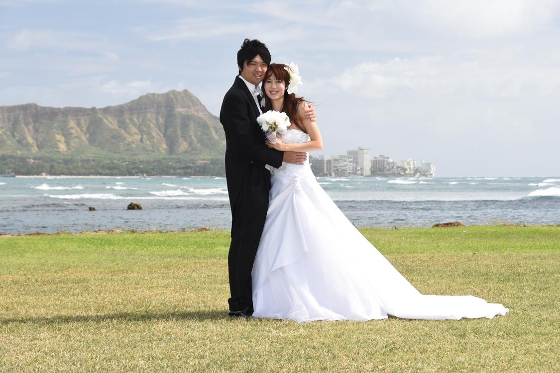 81dc75b8afe Shota   Aya visiting Hawaii from Japan take some Honeymoon photos at Magic  Island and Masako Chapel.