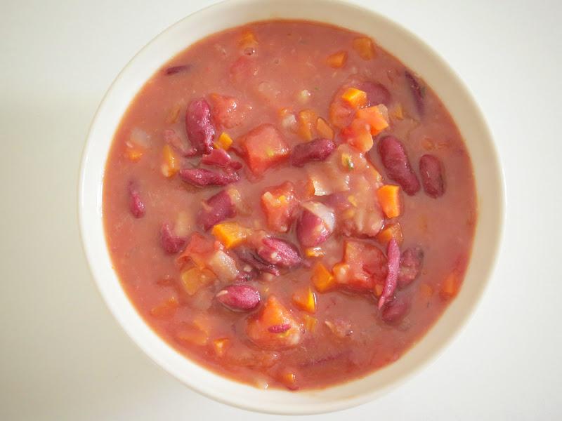 Sopa de Feijão Vermelho e Tomate