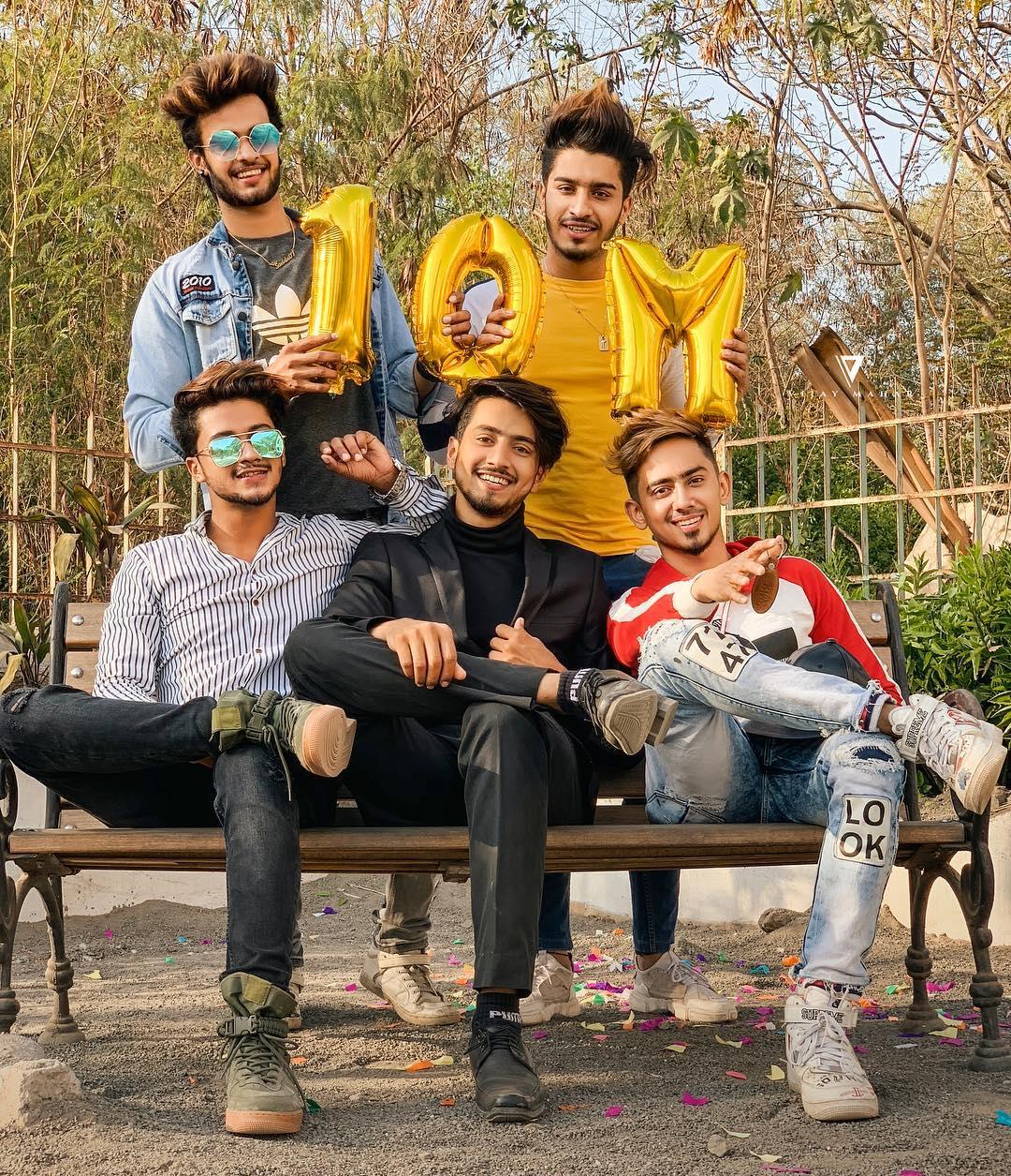 Faisal Shaikh (Mr Faisu) with his Friends