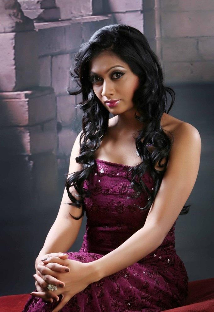 Udhayathara Tamil sexy actress