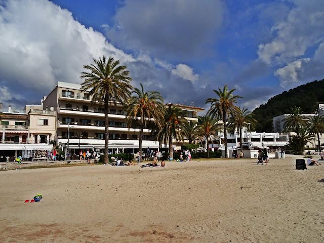 promenada wzdłuż plaży Port de Soller