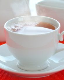 manfaat minum teh panas