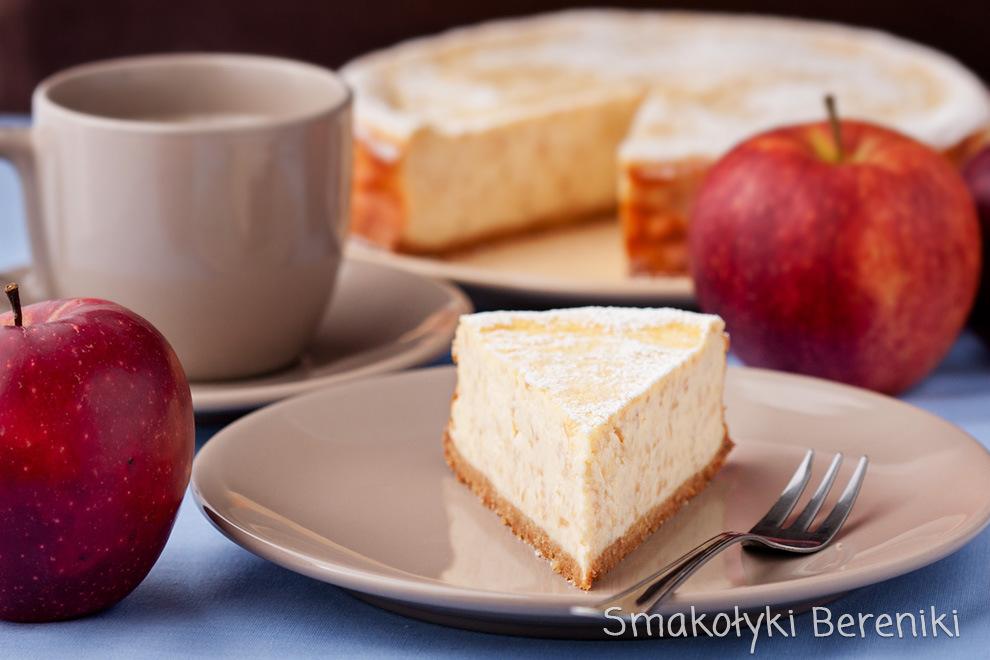 Sernik jabłkowy