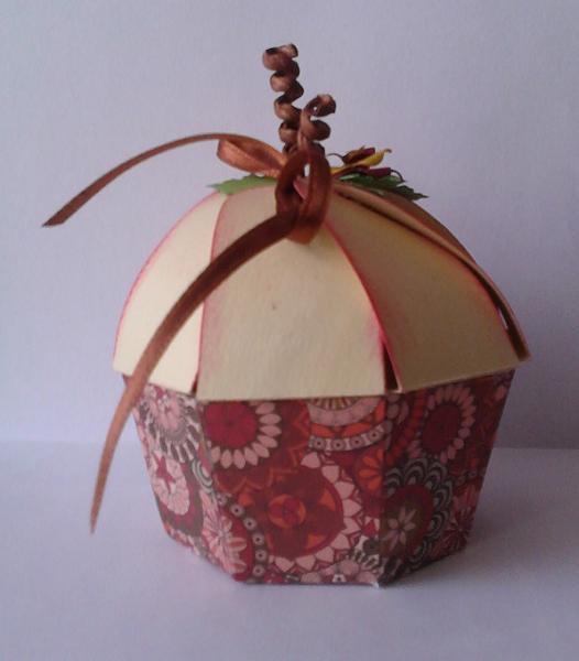 sonny s bastelspa muffin box jetzt mit neuem bild. Black Bedroom Furniture Sets. Home Design Ideas