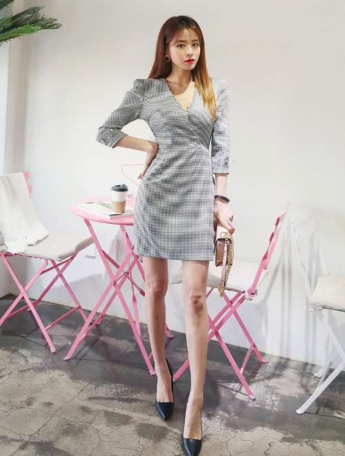 Houndstooth-Patterned Surplice Neck Dress